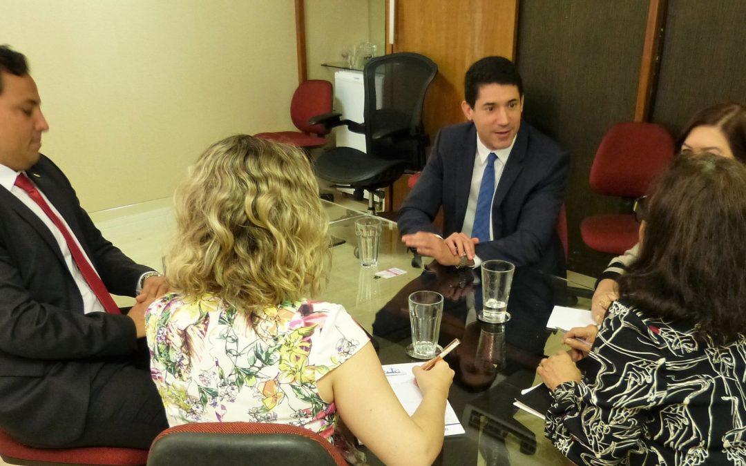 ENTIDADES DO FORVM DISCUTEM DEFESA DE PRERROGATIVA DAS CARREIRAS